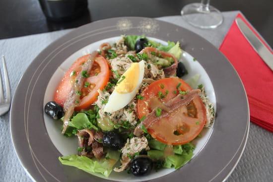 Entrée : Les Longitudes  - Salade Niçoise -   © Corderie Royale