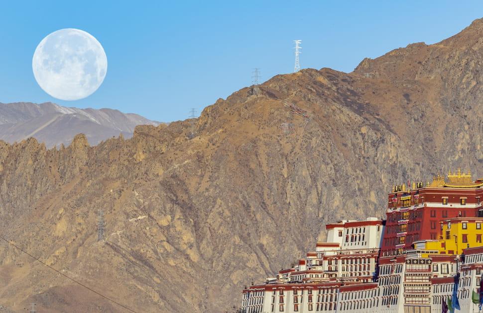La Super Lune du 9mars 2020au Tibet
