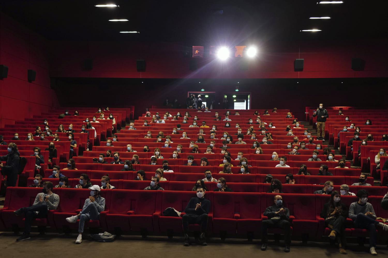 Cinémas ouverts : des restrictions annoncées lors du ...