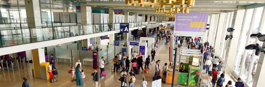 Orly dans les pires aéroports du monde: ce qu'on lui reproche