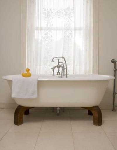 l 39 argile pour d tartrer et faire briller la baignoire. Black Bedroom Furniture Sets. Home Design Ideas