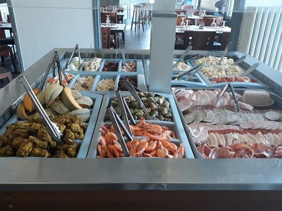 Entrée : L'OLYMPIQUE  - buffet froid au choix -   © l'olympique