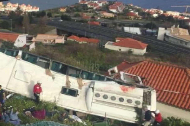 Accident de bus à Madère: on en sait plus sur les circonstances du drame