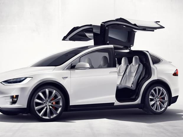 Tesla Model X : découverte en images du premier crossover électrique
