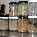 Auberge Paysanne Le Jardin des Aromates  - bocaux d'aromatiques -