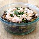 Plat : D'icidelà  - Salade de lentilles et tartare de saumon -   © Julie Balcazar