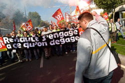 manifestation des salariés de la filière automobile en fin d'année à paris.