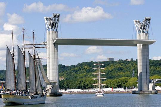A Rouen, le plus haut pont-levant d'Europe