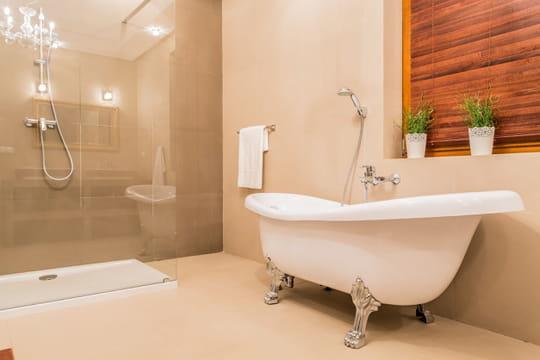 Déboucher une baignoire: deux méthodes simples