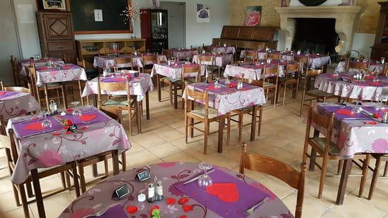 , Restaurant : Les Amis de la Fontaine  - Salle restaurant -   © evelyne leyris