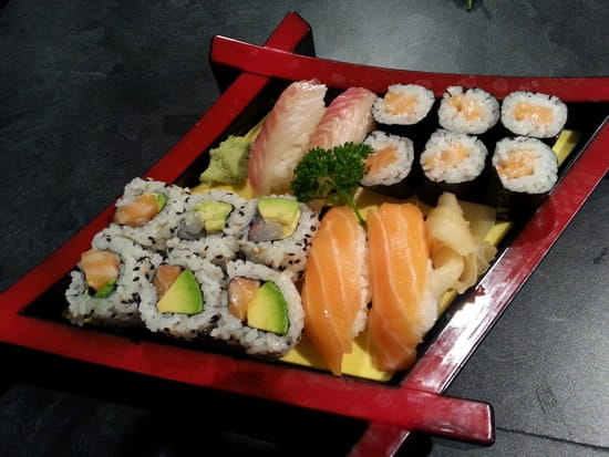 Restaurant IKI  - Plateau sushi -   © Iki.manosque