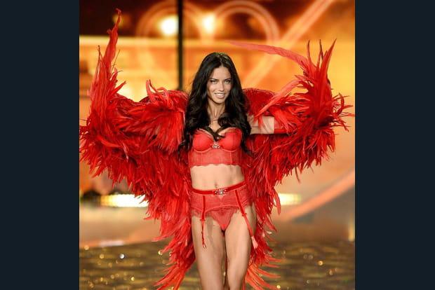 Adriana Lima, l'ange rouge venu du chaud