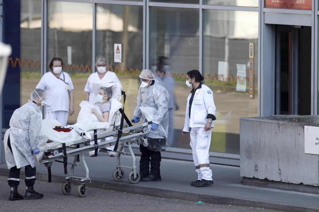 DIRECT. Coronavirus en France: 108morts en 24h, vers un confinement d'un mois?