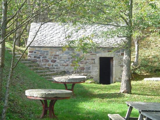 Les Moulins du Bouchat  - moulin à eau du 17 éme siécle -   © caroline FERRIER