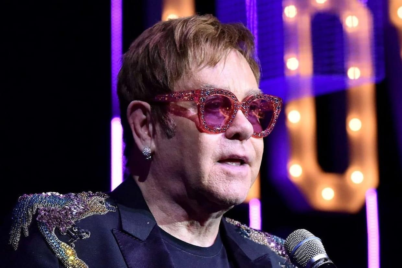Le chanteur Elton John veut donner un tournant à sa carrière