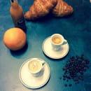 Imperial Coffee  - Café et croissants -