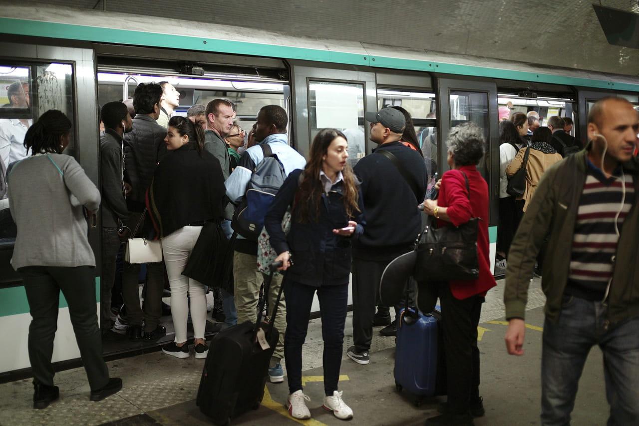 Grève SNCF et RATP: les prévisions du trafic des métros et RER vendredi24janvier