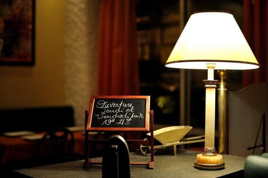 Restaurant Brasserie Crêperie les Arcades  - le soir ambiance feutrée... -   © fredbayle-photographie.com