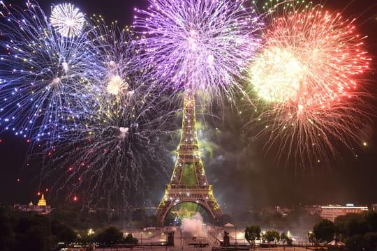 Feu d'artifice du 14juillet 2020: à distance à Paris, annulé à Lyon...