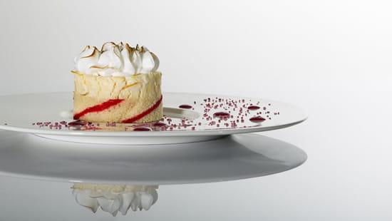 Autour de la Table  - un dessert maison de notre patissier -   © autour de la table