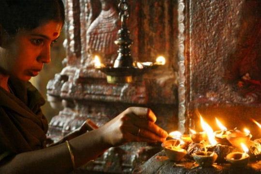 Prière au temple de Madurai