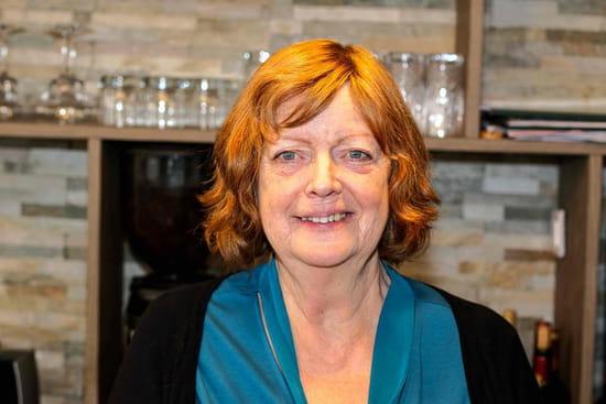 Restaurant : Bouchons & Resto  - Jeanine, la mère du Chef, 40 d'expérience en cuisine -   © Bouchons&Resto