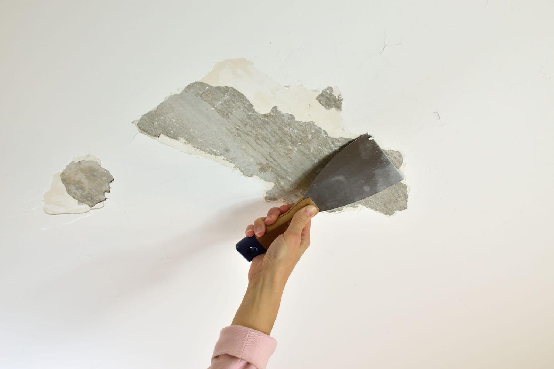 Réparer les fissures d'un plafond