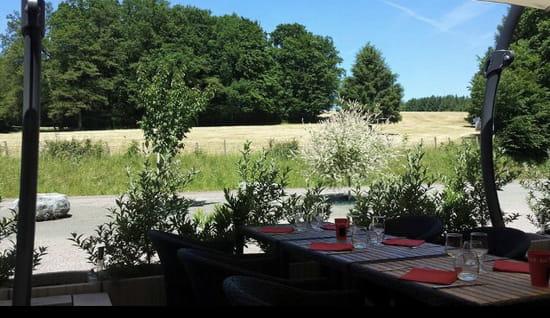 Restaurant : Le Vieux Terroir  - Terrasse -   © Extérieur