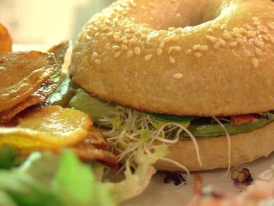 Kat & Co  - Le Bagel végétarien, aux graines germées -   © T.MOREL