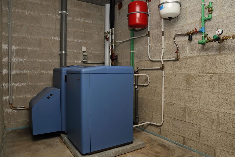 Installation Chaudière À Condensation chaudière fioul : bientôt la fin, quel chauffage pour la