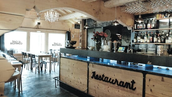 Le caf comptoir restaurant de cuisine traditionnelle for Comptoir de bar moderne