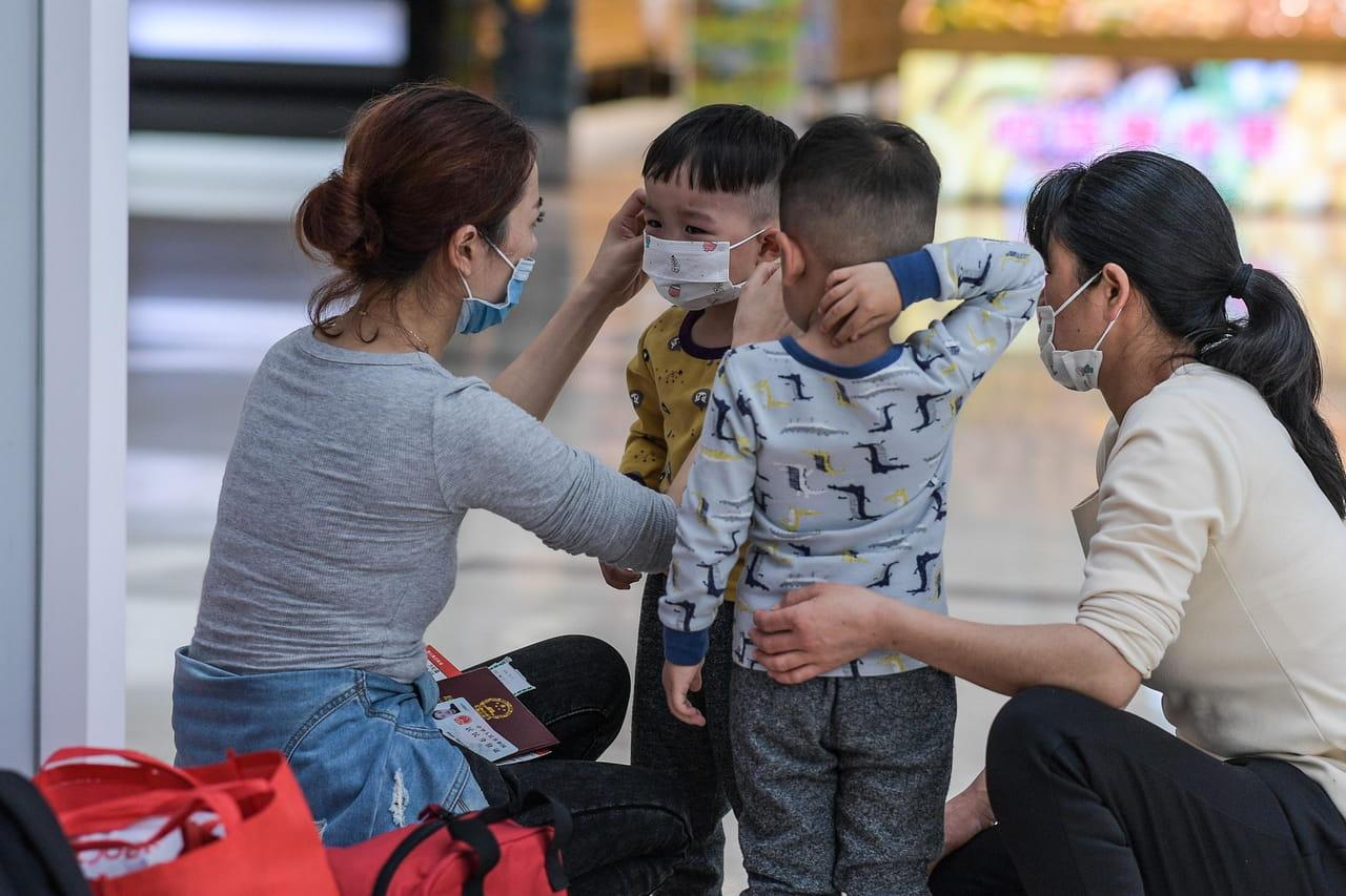 DIRECT. Coronavirus: de nouvelles mesures radicales, la France particulièrement touchée