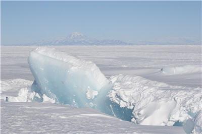 la neige tombe très rarement en antarctique.