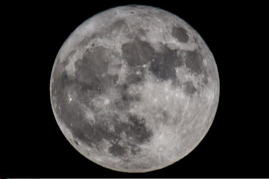 Eclipse de lune: la lune de sang 2019en images et en direct