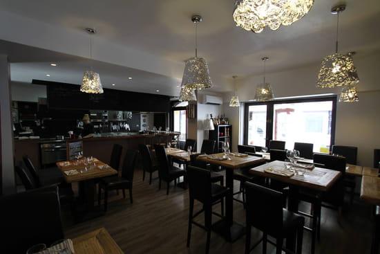 Restaurant : Le bistrot de Bacchus  - La cuisine ouverte -   © G.despont