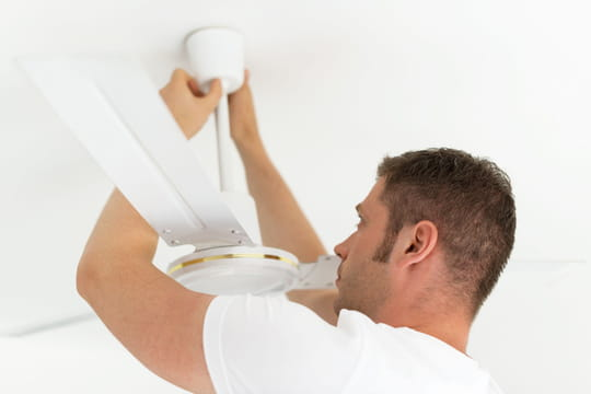 Installer un ventilateur de plafond: marche à suivre