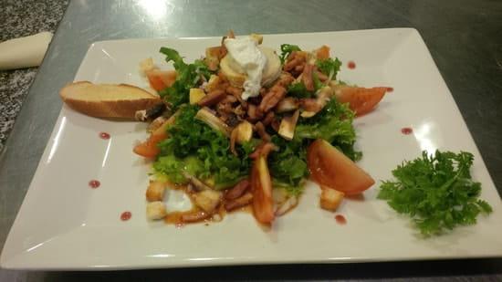 Le Patti  - salade frisée aux lardons -   © Le Patti