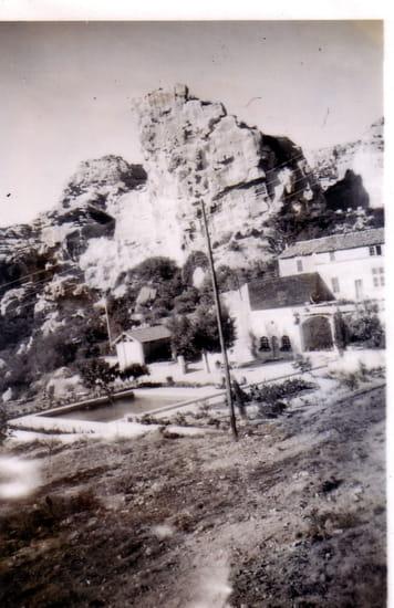 L'Oustau de Baumanière  - Baumanière dans les années 1950 -   © photo de famille