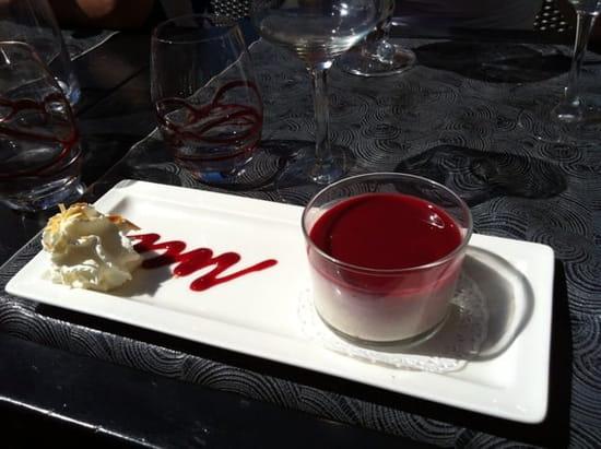 Dessert : La Voute  - Panacotta saveur framboise citron.  -