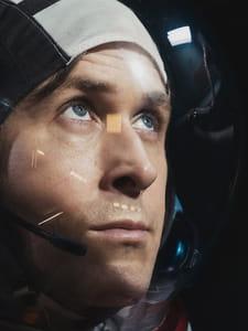 First Man: Neil Armstrong a-t-il vraiment jeté le bracelet de sa fille sur la Lune?