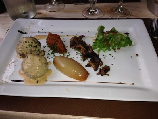 Plat : Le Donjon  - Boulette de viande au boeuf confite a la provençale.               Tout est maison           Un delice  -