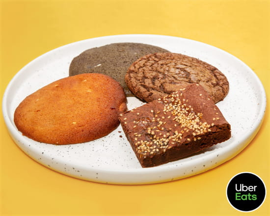Dessert : Gili Gili  - Desserts (brownie miso, cookie sésame noir) -   © Uber Eats