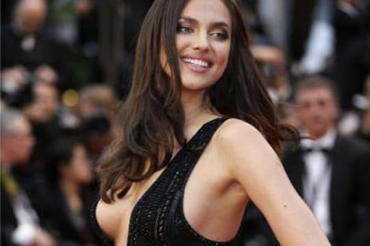 Irina Shayk: la petite amie de Ronaldo ultra sexy àCannes