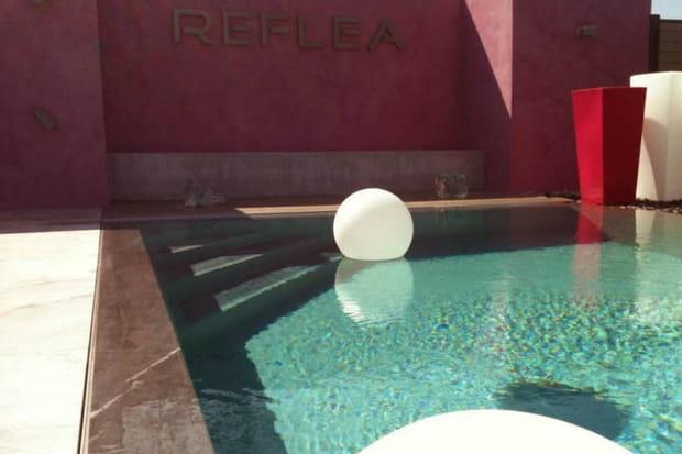 une piscine effet miroir