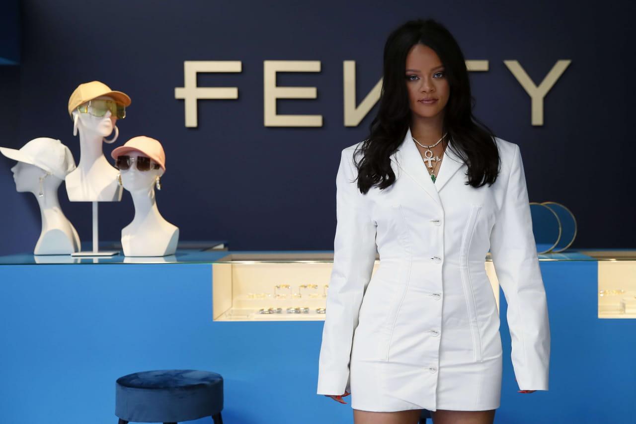 Rihanna accusée de blasphème: malgré ses excuses, la polémique dure