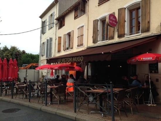 Entrée : Le Victor Hugo  - Façade de la brasserie -