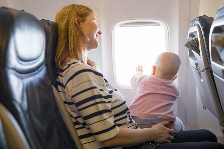 faut il une carte d identité pour un bébé en avion Voyager avec bébé : âge minimum, avion, destinations et conseils