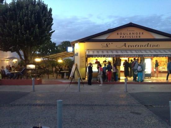 Restaurant : L'Amandine  - Façade de l'Amandine a la Grière -