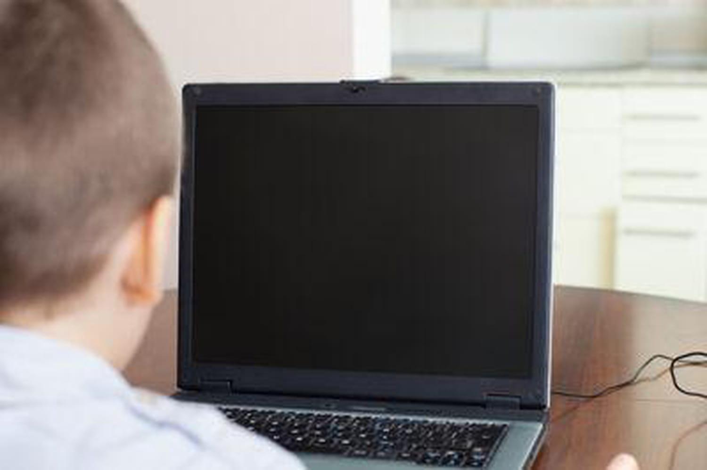 #Slanegirl: nouveau cas depersécution d'uneado surInternet
