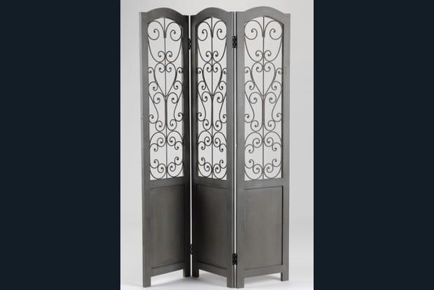 un paravent semi transparent. Black Bedroom Furniture Sets. Home Design Ideas